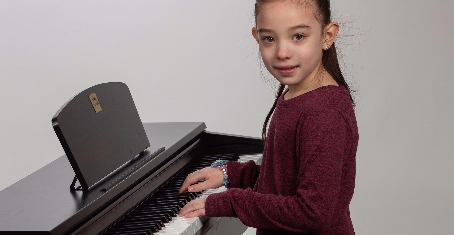 Piano Lesson Girl in Houston TX
